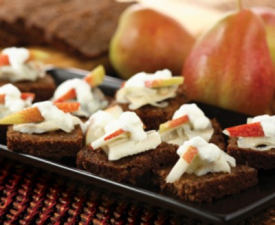 Pear-Topped Solomon Gundy Snacks
